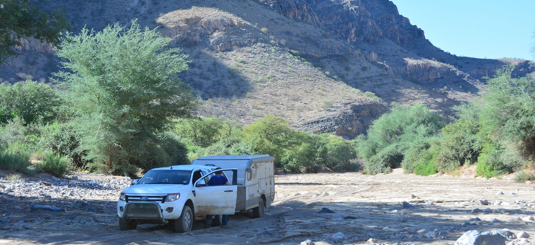 Offroad Caravan in Sand